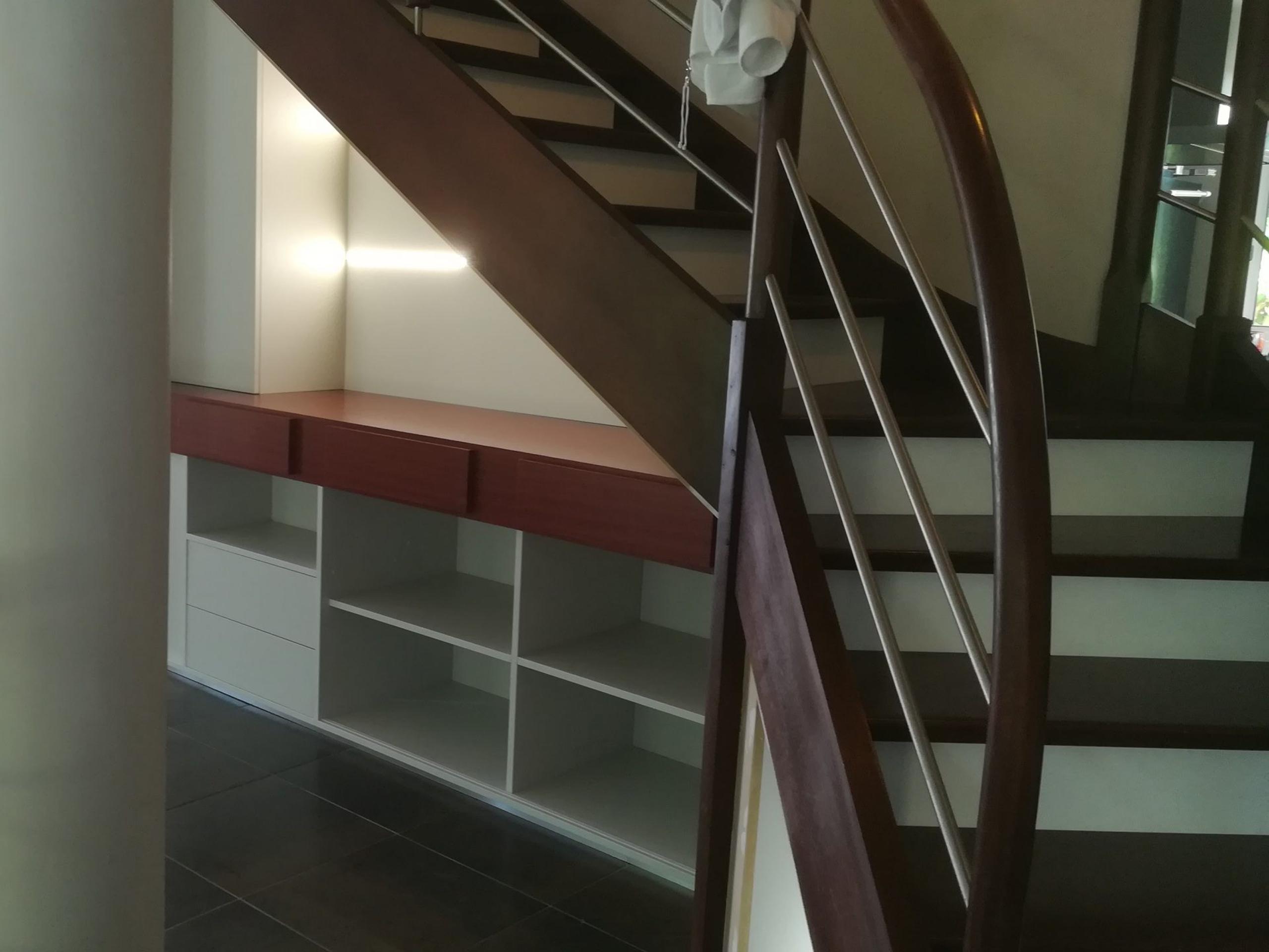 Aménagement sous escalier fougères